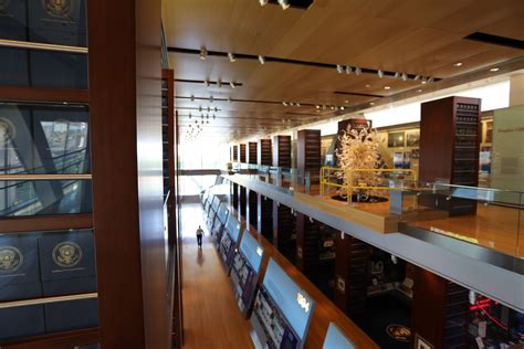 Willam J Clinton Presidential Library and Museum - Live