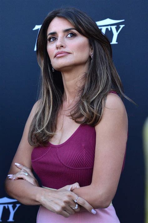 Penelope Cruz Attends The Journey By The Land Photocall