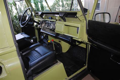 Land Rover 1971 Series IIa, Fully Restored - Land Rover