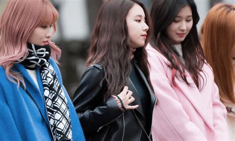 These Female idols show you the proper way to dress for