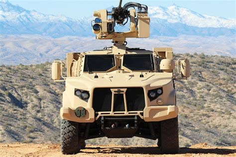 How the Humvee Compares to the New Oshkosh JLTV - Motor Trend
