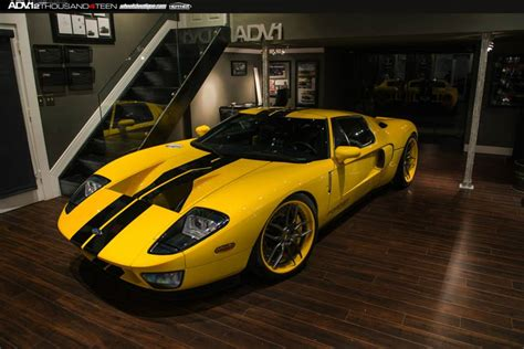 Yellow Ford GT on ADV