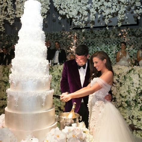 Real Wedding: An all white New Years Eve Wedding - Wedded