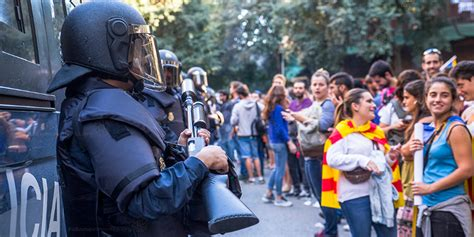What's the best way to resolve the Catalonia crisis