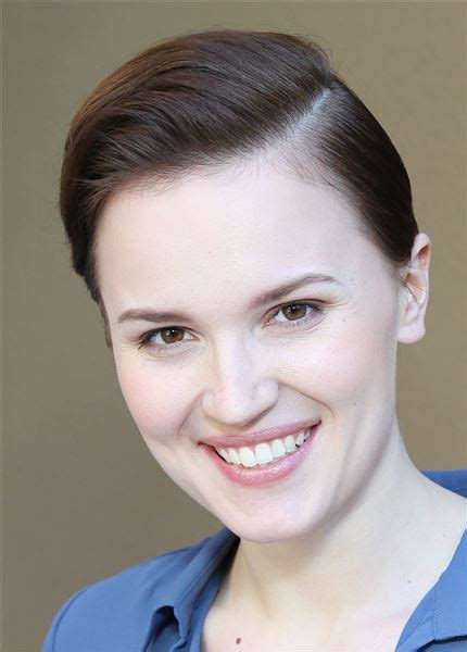 'Divergent' author Veronica Roth working on new 2-book