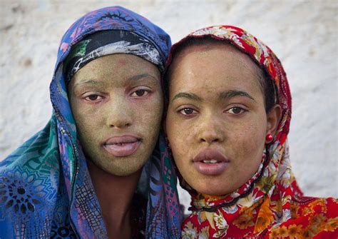 Women in Berbera with qasil on the face - Somaliland | Flickr