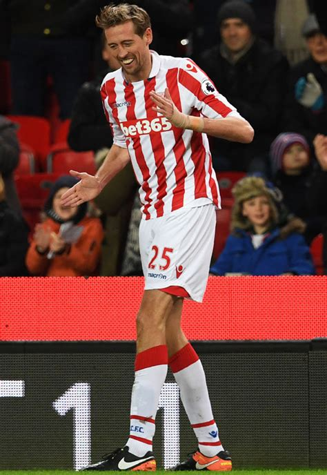 Stoke 1 Everton 1: Peter Crouch does the robot after