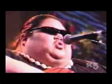 "Kaleohano - Performed by Israel ""IZ"" Kamakawiwo'ole - YouTube"