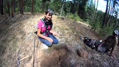 Girls and GOLD with Minelab GP 3500 metal detector - YouTube