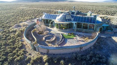 Earthship: One man turns trash to treasure with recycled